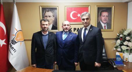 AK PARTİ GÖLCÜK'TE YÖNETİME YENİ İSİMLER