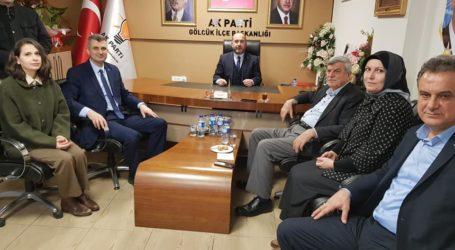 Karaosmanoğlu Gölcük AK Parti'ye ziyarete geldi