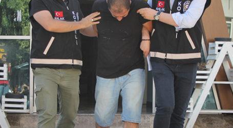 İzmit'te fuhuş operasyonunda 3 kişi yakalandı