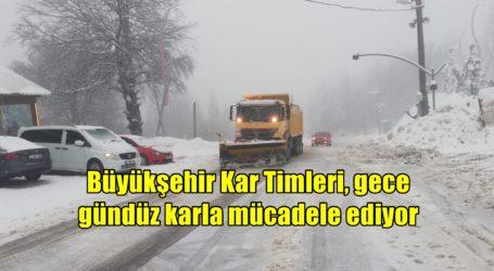 Büyükşehir Kar Timleri, gece gündüz karla mücadele ediyor