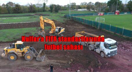 Kullar'a FIFA standartlarında futbol sahası